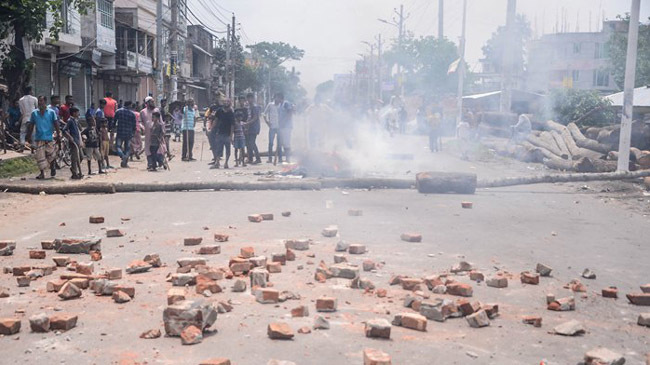 jute mill workers police clash 1